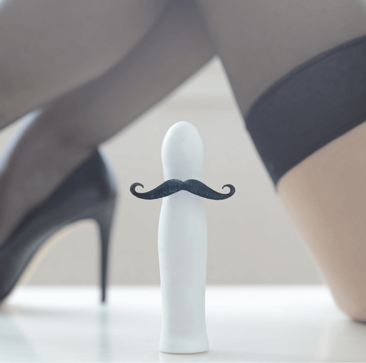 The Hum vibrator relies on artificial intelligence to learn a woman's wants and to create those movements on its own.