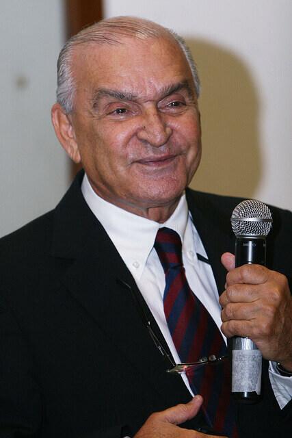 Dr. Elsimar Coutinho