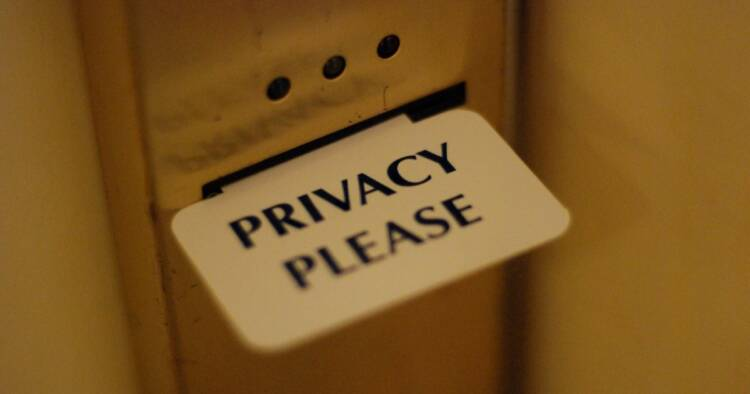 Screenshot of Privacy Tag attached to a door