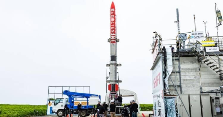 Image of people working on Tanga Rocket launch pad